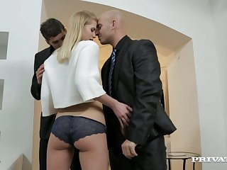 Wild blondie drops on her knees with make two dicks hard for a 3-way
