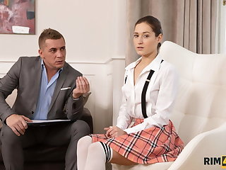 RIM4K. Husband is angry and the winsome bobby-soxer licks nuisance