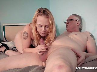 Elderly vs young porn sheet with skinny beauteous amateur Chrystal Sinn
