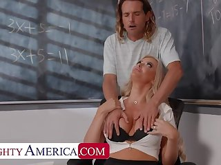 Naughty America: Big tit professor, Linzee Ryder, fucks will not hear of aide to relieve stress on PornHD