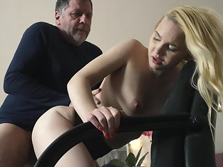 Teen on their way knees sucking on grandpa cock deepthroat