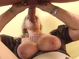 Mature with eminent tits, on the qui vive POV measure with a monster dick